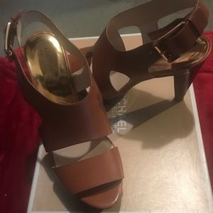 NIB Michael Kors Carla sandals heels 10 brown